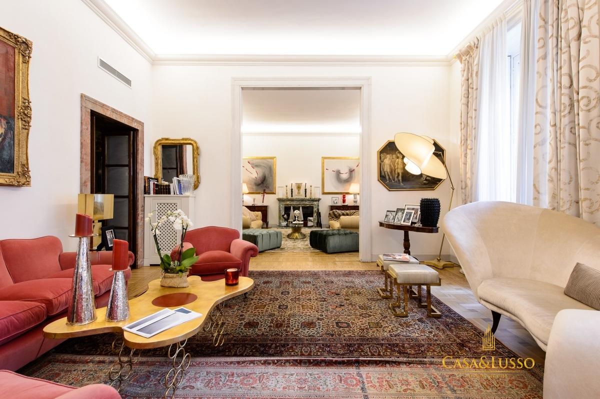 Vendita appartamenti milano residenza di lusso di alta for Casa milano vendita