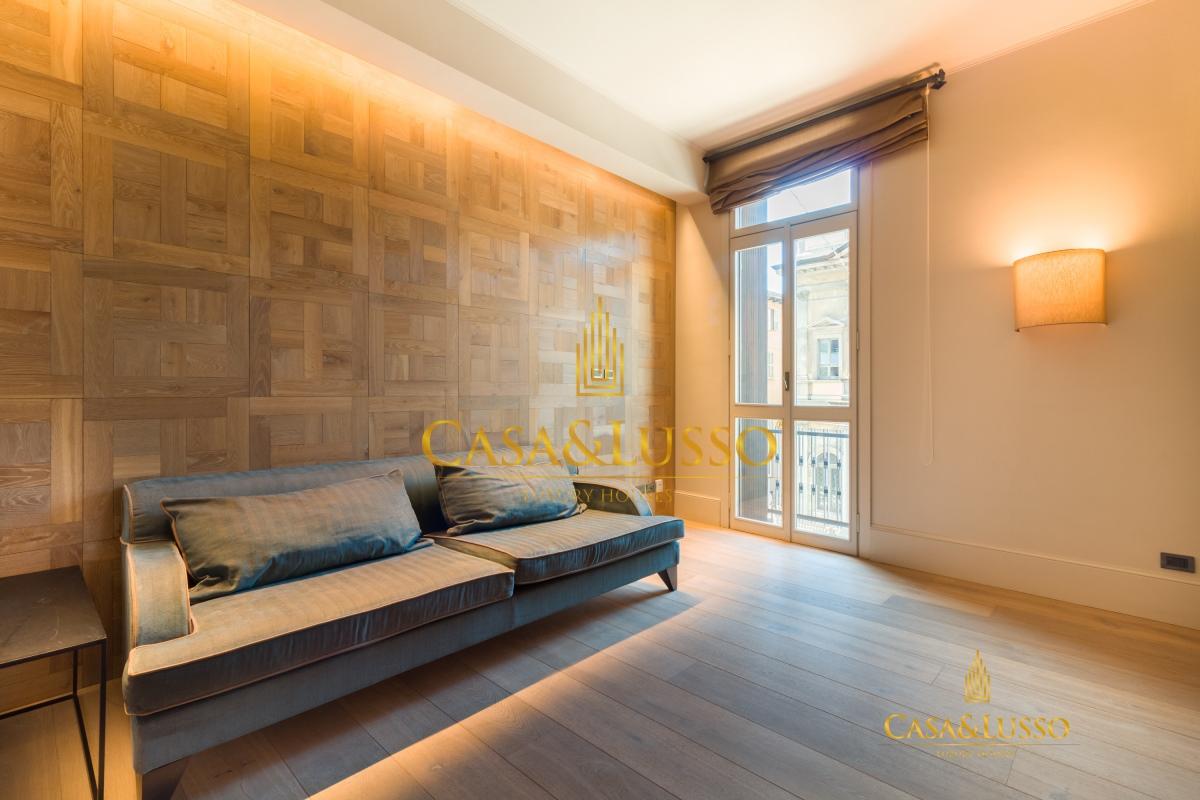 Affitto appartamenti milano brera stupendo 3 locali for Appartamenti design milano affitto