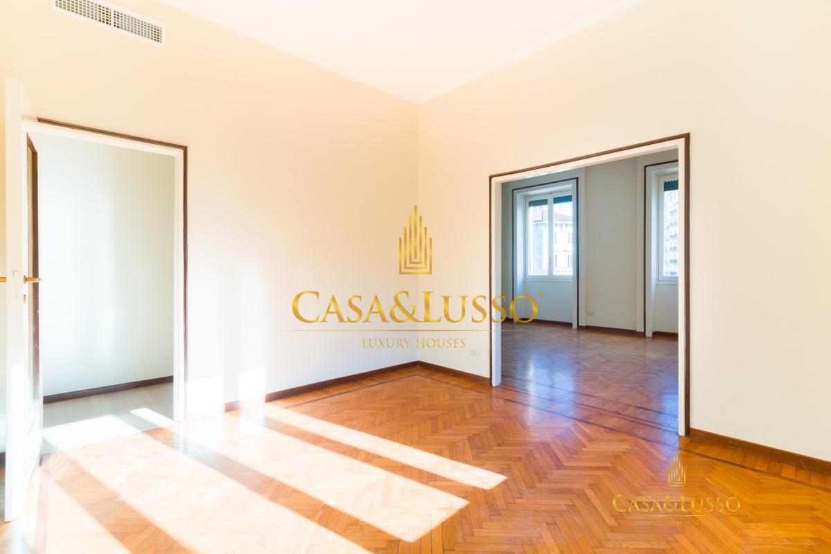 Affitto appartamenti milano cadorna luminoso for Appartamenti design milano affitto