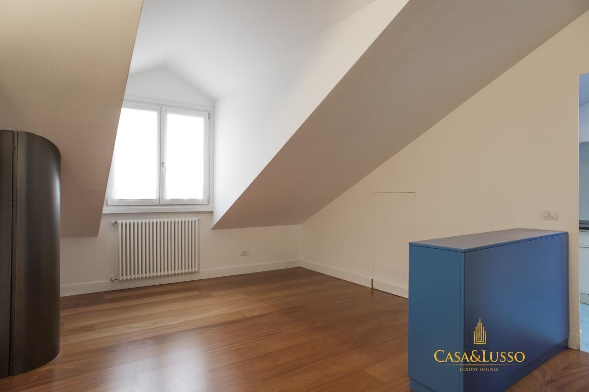 Vendita appartamenti milano attico in via solferino for Appartamenti milano
